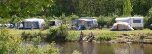 Camping met visvijver