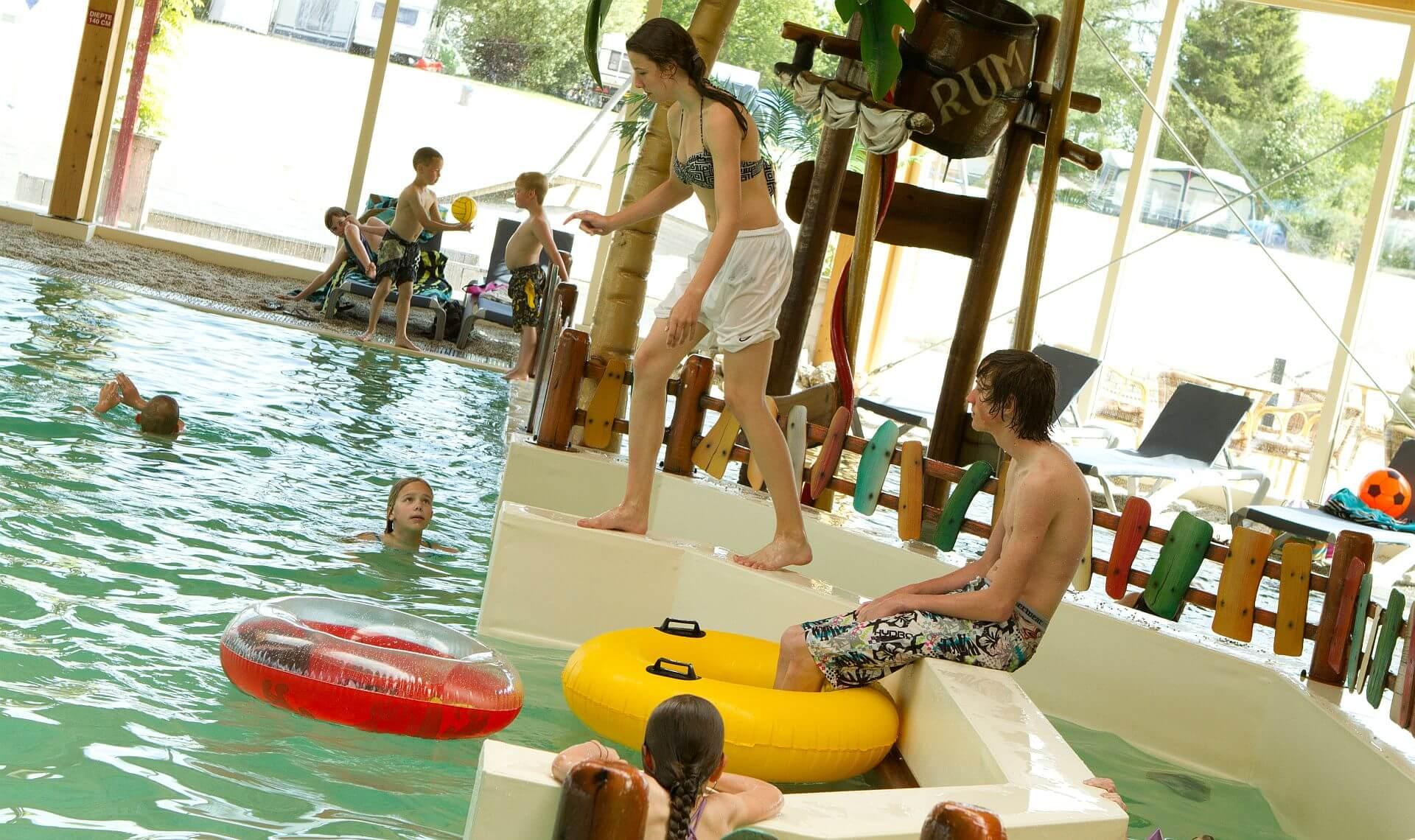 Vakantiepark met zwembad bij het Stoetenslagh! - Camping met zwembad Overijssel