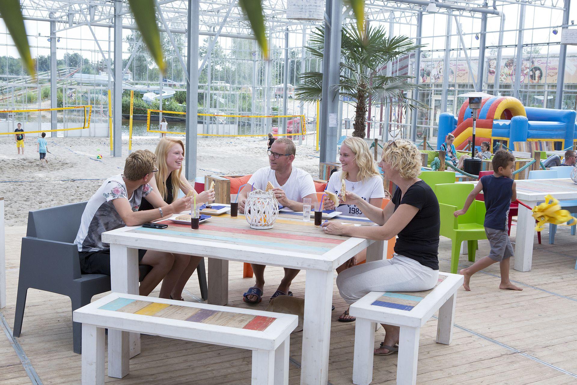 Feesten en partijen in Overijssel met een strandbelevenis - Feesten en partijen in Overijssel