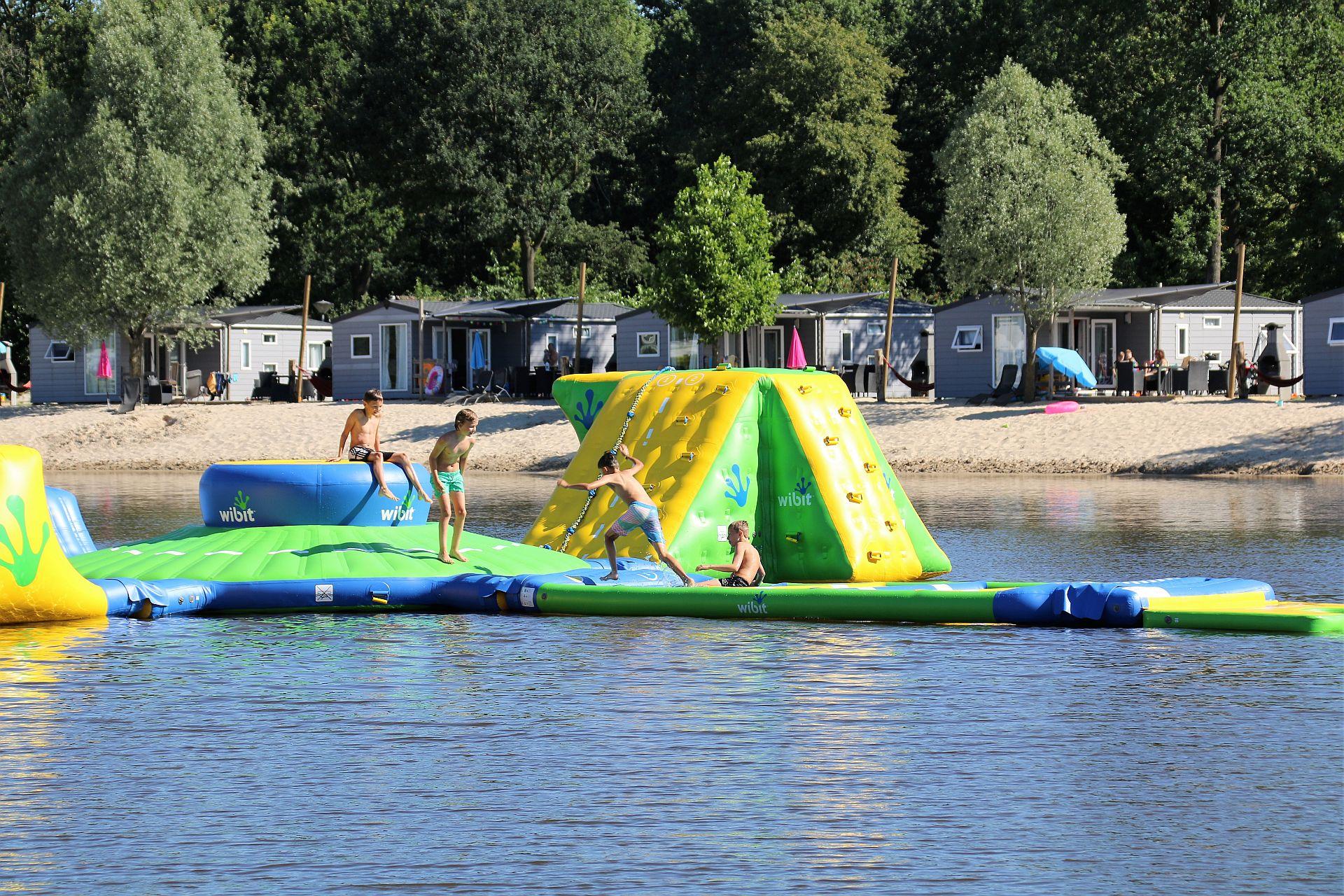 Leukste camping in Overijssel met zwembad en indoor strand! - Leukste camping in Overijssel
