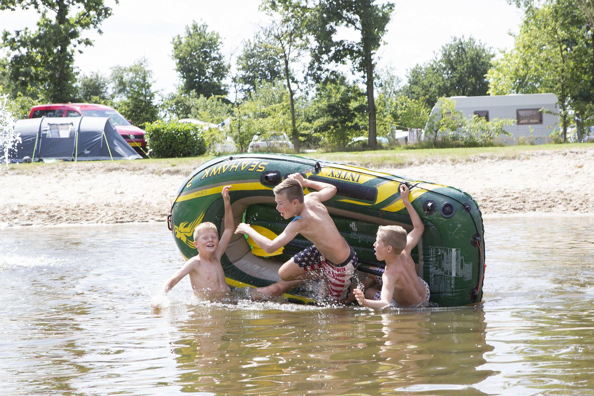 Gezinscamping in de buurt van Drenthe met 5* voorzieningen - Gezinscamping in Drenthe